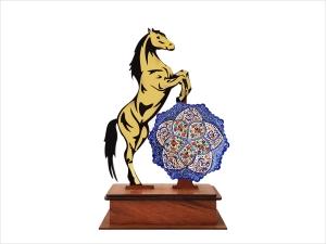 تندیس هدیه میناکاری طرح اسب